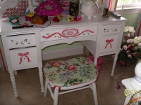 vanity-hand-painted-w-ribbons-and-flowers